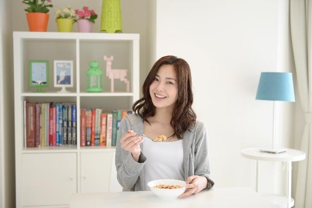 10月8日は骨と関節の日!骨粗しょう症を防ぐ食事のコツ/佐々木裕子